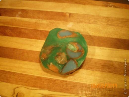 мой первый мыльный камушек с розовой и голубой глиной, вроде все удалось, результат порадовал.