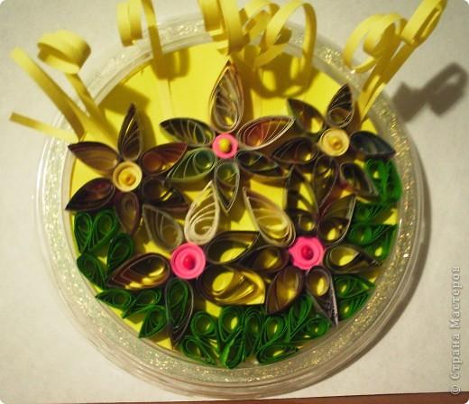 Небольшой весенний букетик из остатков полосочек, заготовок. фото 3