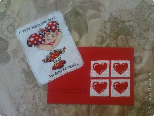 хочу ещё раз принять участие в игре по скетчу http://stranamasterov.ru/node/134561. материал: картон, бумага (на неё приклеены сердечки вышитые на канве), канва, нитки, скотч двухсторонний (на него приклеен бантик и сама полосочка) фото 4