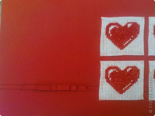 хочу ещё раз принять участие в игре по скетчу http://stranamasterov.ru/node/134561. материал: картон, бумага (на неё приклеены сердечки вышитые на канве), канва, нитки, скотч двухсторонний (на него приклеен бантик и сама полосочка) фото 3