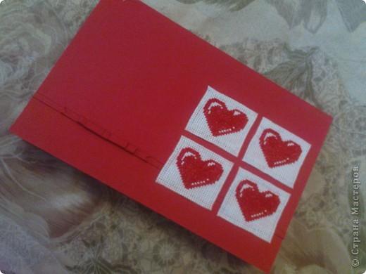 хочу ещё раз принять участие в игре по скетчу http://stranamasterov.ru/node/134561. материал: картон, бумага (на неё приклеены сердечки вышитые на канве), канва, нитки, скотч двухсторонний (на него приклеен бантик и сама полосочка) фото 7