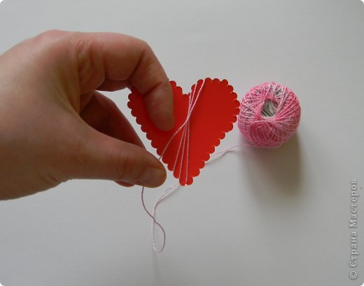 Мастер-класс Поделка изделие Валентинов день Изонить МК - Сердечки в технике изонить без иголки Бумага Нитки фото 5