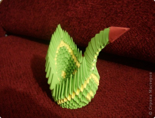 Разноцветный лебедь.Работа моего сына (9 лет). фото 1