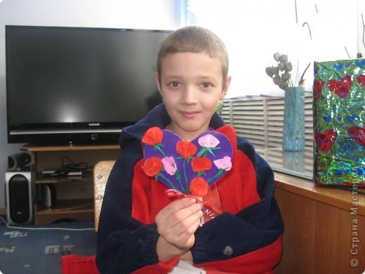 К каждому празднику готовим с детьми небольшую выставку поделок.К дню Святого Валентина - это, в первую очередь, сердечки в различных техниках. фото 4