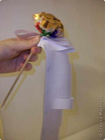 Вот такой букетик я сделала ко Дню влюбленных. Хочу попробовать выложить свой первый МК, поэтому не судите строго, а если что не так, то подскажите! ))) фото 13