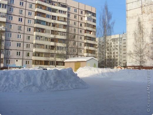 Я живу на окраине города. Этой зимой выпало очень много снега. фото 5