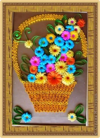 С душистой веточкой цветов Весна приходит в каждый дом.....