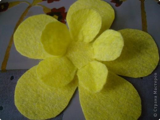 Хочу предложить еще два варианта поделок из салфеток для уборки. Впереди праздники , и может быть такой цветок и бабочка пригодятся для изготовления подарочков вместе с детьми. фото 5