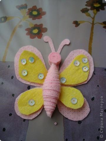 Хочу предложить еще два варианта поделок из салфеток для уборки. Впереди праздники , и может быть такой цветок и бабочка пригодятся для изготовления подарочков вместе с детьми. фото 15