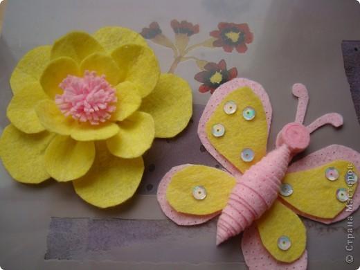Хочу предложить еще два варианта поделок из салфеток для уборки. Впереди праздники , и может быть такой цветок и бабочка пригодятся для изготовления подарочков вместе с детьми. фото 1