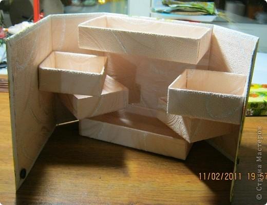Вот такая коробочка в собранном виде. В нижнем правом углу обычная кнопка(курточная). фото 2
