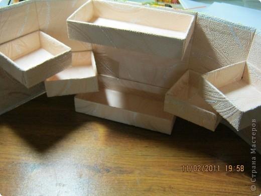 Вот такая коробочка в собранном виде. В нижнем правом углу обычная кнопка(курточная). фото 3