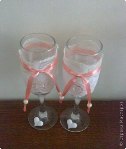 стаканчики на свадьбу подружки Я использовала кружева с резинкой . Можно всегда снять кружева , для того чтобы помыть стакан и опять надеть . фото 2