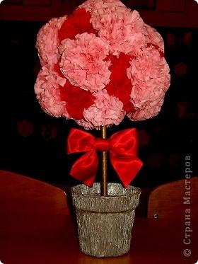 Розовое дерево из салфеток