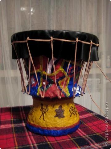 Делали с сыном поделку на конкурс музыкальных инструментов. Выбрабали африканский барабан Джембе :) фото 1