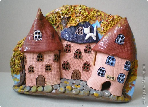 Хорошим подругам в подарок: осенняя улочка и декоративная тарелка фото 1