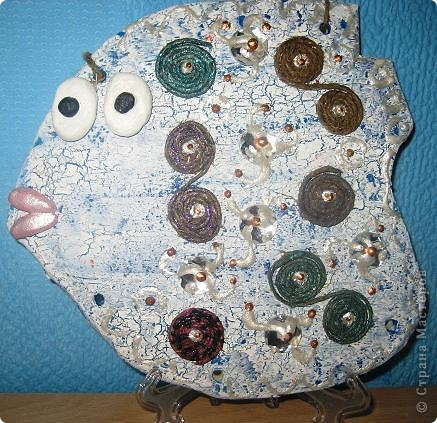 Рыба в русском стиле. Рыбех делали с моей девятилетней дочерью. Декупаж на соленом тесте. Попытка кракле. Роспись контурами. фото 2