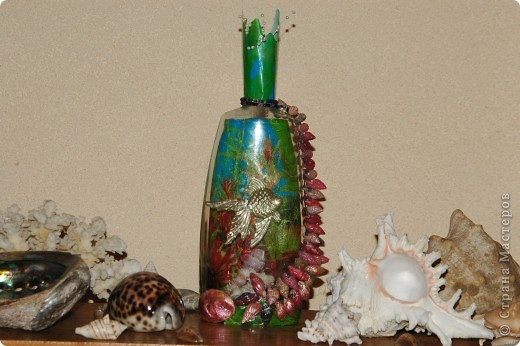 Мини аквариум.Ракушки ,разноцветный лак для ногтей и рыбка. фото 1