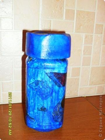 Вот такая вазочка получилась из пластиковой бутылки. фото 3
