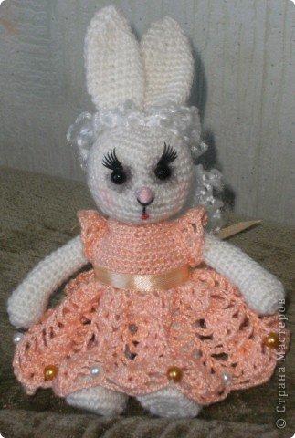 В преддверии дня святого Валентина не могу не показать своих зайчиков, связанных на свадьбу дочери подруги. фото 10