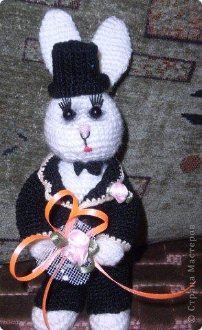 В преддверии дня святого Валентина не могу не показать своих зайчиков, связанных на свадьбу дочери подруги. фото 9