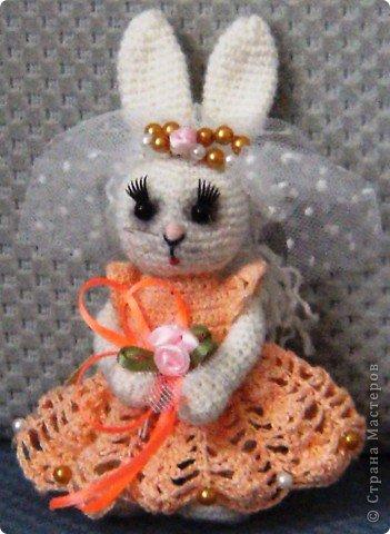 В преддверии дня святого Валентина не могу не показать своих зайчиков, связанных на свадьбу дочери подруги. фото 11