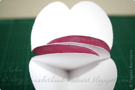 Ещё один вариант быстрого изготовления сердечного подарка. Такими сердечками можно украсить комнату в день всех влюблённых. Вот такие сладкие сердечки можно сделать очень быстро: фото 11