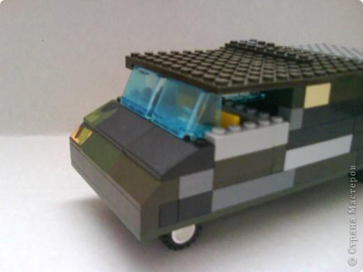 У этой машины открывается дверь. фото 1