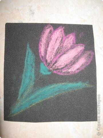 Вчера попробовали рисовать на наждачной бумаге. Занятие понравилось и мне, и моим детям. Это рисунок мой. фото 4