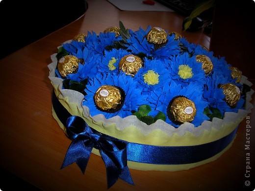 Вот такая корзинка со сладкими цветочками у меня вышла :)  фото 1