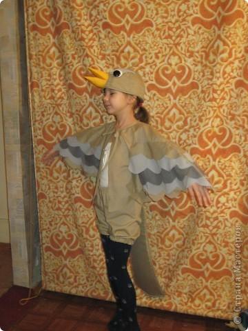 """Недавно в школе прошел театральный марафон. Каждый класс подготовил и показал свою постановку. Наш класс выбрал басню Крылова """"Квартет"""".   фото 8"""