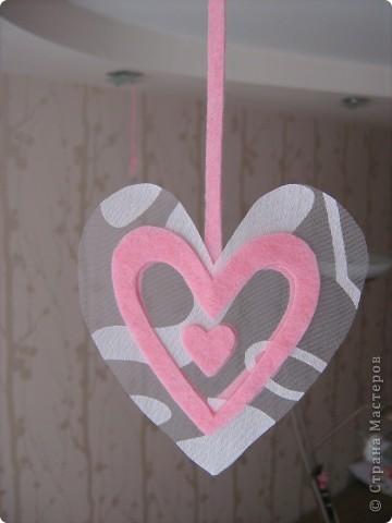 Посетило вдохновение и... вот такое сердечко получилось за 10-15 минут.  Хочу украсить комнату своей доченьки множеством таких (или подобных) сердечек. Она их обожает. :)) фото 4