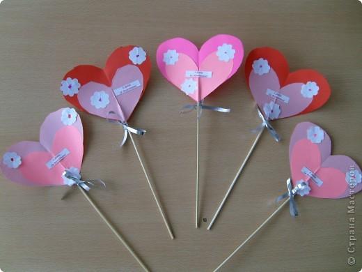 Сегодня в детском саду с детьми сделали в подарок валентинки.  фото 2