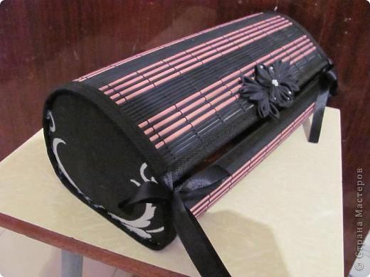 Шкатулка из бамбукового коврика фото 1