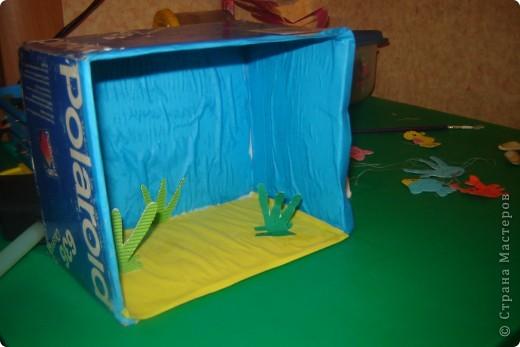 здесь мы подготовили из цветной бумаги морских обитателей. фото 2