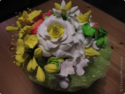 """Этот букет собрала из """"несуществующих"""" цветов, за исключением ранункулюсов (Спасибо Юлии П_и_Л за МК) Не пыталась скопировать натуральность растений, просто руки лепили сами (вдохновленные вашими отзывами о предыдущих работах))) фото 2"""