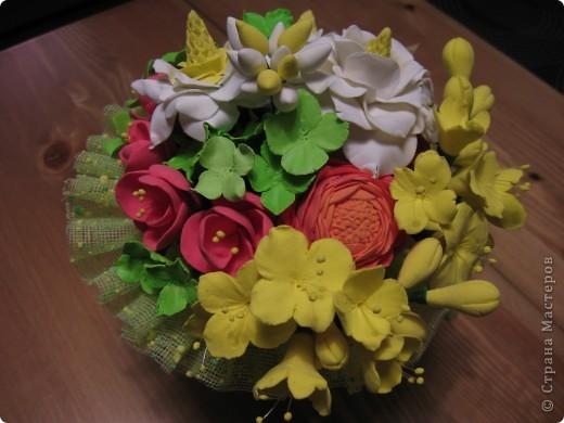"""Этот букет собрала из """"несуществующих"""" цветов, за исключением ранункулюсов (Спасибо Юлии П_и_Л за МК) Не пыталась скопировать натуральность растений, просто руки лепили сами (вдохновленные вашими отзывами о предыдущих работах))) фото 3"""