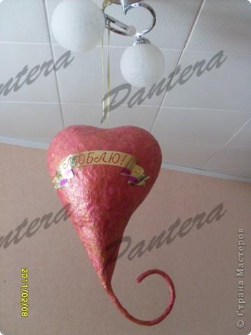 Вот такую валентинку увидел мой муж,когда вчера пришел домой с работы:) Думаю,что ему было приятно.Сердце я повесила прямо над кроватью,так что, даже засыпая , можно видеть признание в любви:))) фото 1