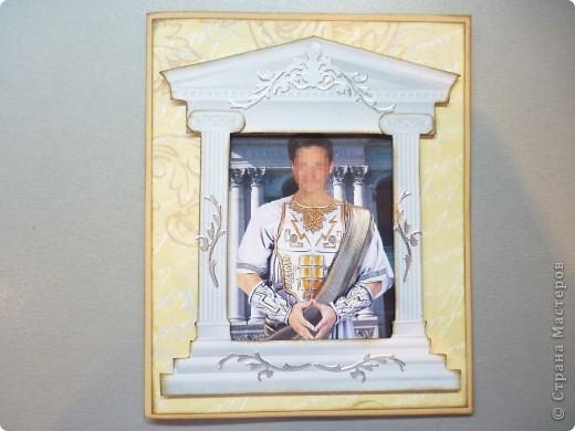 Выставляю на ваш суд свою проделанную работу по открыткам на 23 февраля. Заказали мне 13 открыток-портретов. Мужских открыток я раньше не делала, поэтому было немного сложновато. было не просто подобрать к каждой открытке элемент, подходящий под образ или принадлежащий какой то эпохе.  фото 13