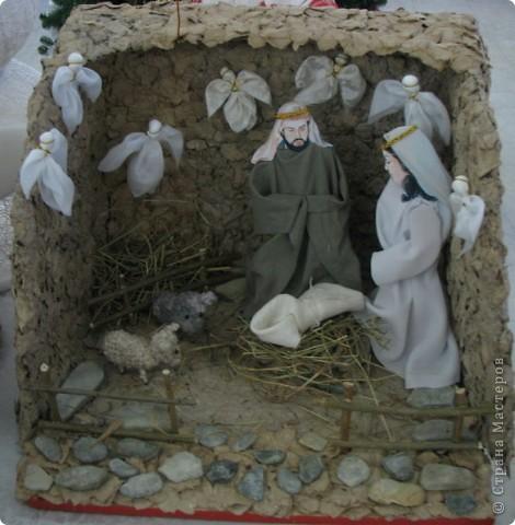 Вертеп сделан к рождеству и подарен воскресной школе.Коллективная работа.