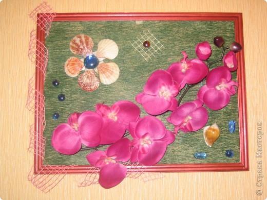 Оцените мое творение.  Это моя первая картина.  Это искусственные цветы. Клеила на флизелин (цветной). + стеклянные капельки. размер 30 х 45 фото 2