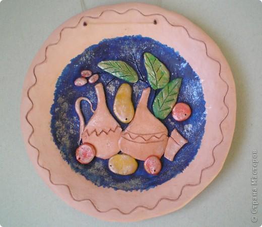 """Попробовала еще один вариант декорирования глиняных тарелок - натюрморты в стиле """"Цветной рыбы"""". Планируются в подарок :-) фото 2"""