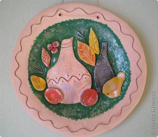 """Попробовала еще один вариант декорирования глиняных тарелок - натюрморты в стиле """"Цветной рыбы"""". Планируются в подарок :-) фото 1"""