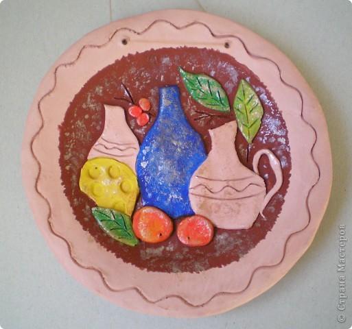 """Попробовала еще один вариант декорирования глиняных тарелок - натюрморты в стиле """"Цветной рыбы"""". Планируются в подарок :-) фото 3"""