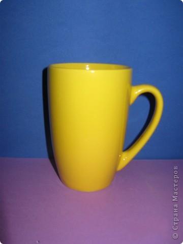 Lipton сделал отличный маркетинговый ход и представил новый подарочный набор, который поможет каждому почувствовать себя настоящим художником и украсить классическую желтую кружку Lipton собственным ярким и оригинальным рисунком. В новом наборе Lipton  2 упаковки чая Lipton по 50 пакетиков, а также специальная кружка для росписи, набор красок и кисти.  фото 4