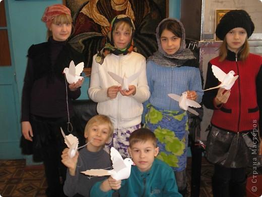 Сделали таких голубей с ребятами на СРЕТЕНИЕ  и украсили наш Храм. фото 3