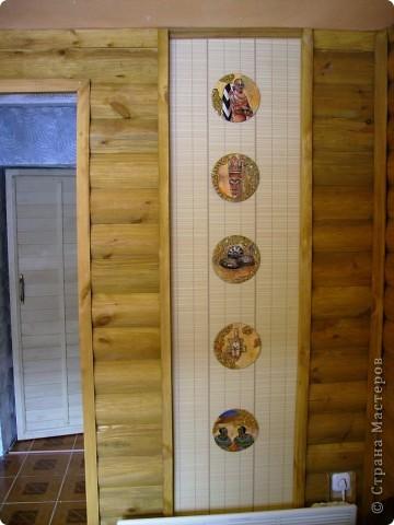 В какой технике выполнены эти работы, если честно, то не знаю. Ими я оформила комнату отдыха в бане. Как получилось  - судить Вам. За качество фотографий  - прошу прощения. фото 1