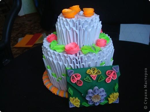 Подарок состоит из тортика (оригами) и конверта для денег. фото 2