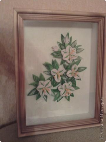 очень долго думала над тем, как собрать воедино цветы и листики, решила сделать так. Готова к конструктивной критике... фото 2