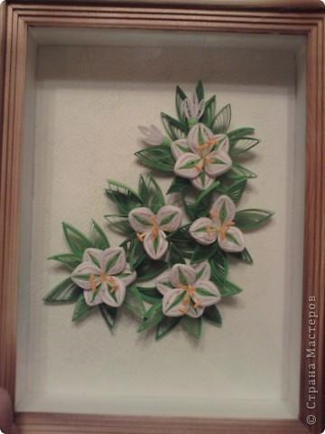 очень долго думала над тем, как собрать воедино цветы и листики, решила сделать так. Готова к конструктивной критике... фото 1